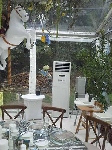 Aer condiționat mobil pentru climatizarea unei petreceri